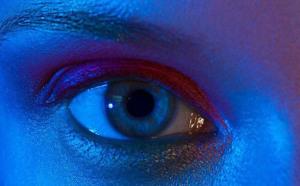 Thêm một lý do để ngưng xem điện thoại buổi đêm: Nguy cơ ảnh hưởng mắt là có thật J.D   10/08/2018 11:46 AM  11   Thêm một lý do để ngưng xem điện thoại buổi đêm: Nguy cơ ảnh hưởng mắt là có thật Hình minh họa Ánh sáng xanh thậm chí còn khiến tế bào mắt t
