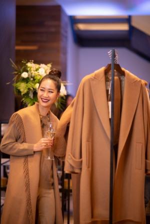 Tân Hoa hậu Dương Thùy Linh cuốn hút và sang trọng trong một sự kiện thời trang