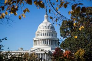 Sự khác nhau về quyền lực giữa Hạ viện và Thượng viện Mỹ Chia sẻ   Dân trí Sau cuộc bầu cử giữa kỳ ngày 6/11, quốc hội Mỹ đã có sự phân chia lại quyền lực. Theo đó, đảng Cộng hòa tiếp tục kiểm soát Thượng viện, trong khi đảng Dân chủ giành lại quyền kiểm