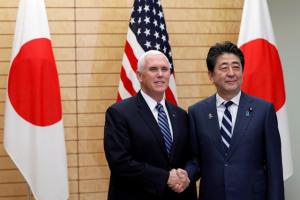 Máy bay chở Phó Tổng thống Mỹ băng qua Biển Đông, gửi thông điệp tới Trung Quốc