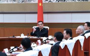 """Đòn đau thương chiến: Lo sốt vó trước cả """"núi"""" tin dữ, chính phủ TQ cuống cuồng ra quân"""