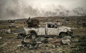 Syria: Vừa thắng vang dội trước IS, vì sao người Kurd đứng bên bờ vực mất cả chì lẫn chài?