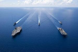 Nhóm tác chiến tàu sân bay, tàu đổ bộ Mỹ tập trận đạn thật tại Biển Đông